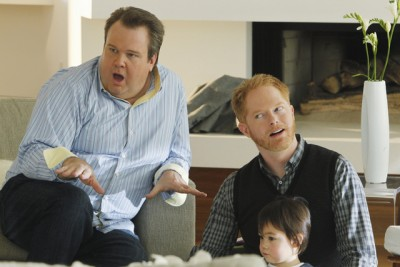 Modern Family - 02x13 Caught in the Act