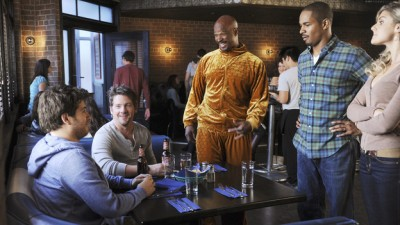 Happy Endings - 01x05 Like Father, Like Gun