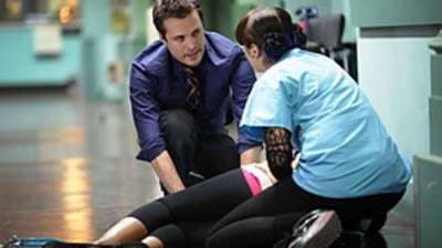 Holby City (UK) - 13x28 Crossing the Line