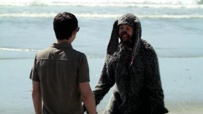 Wilfred - 01x02 Trust