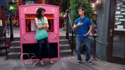 Wizards of Waverly Place - 04x19 Alex the Puppetmaster