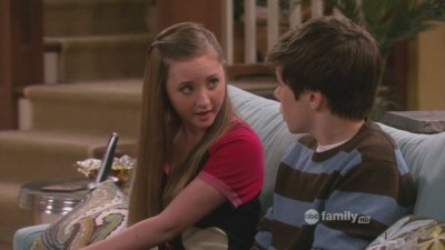 Melissa & Joey - 01x27 Play Ball