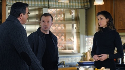 Blue Bloods - 02x09 Moonlighting