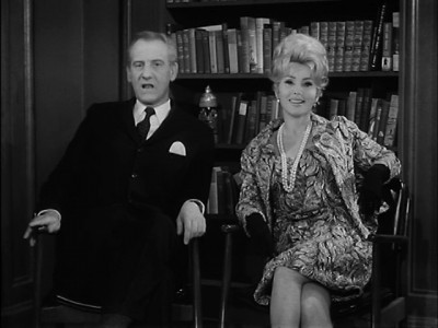 Fractured Flickers - 01x26 Zsa Zsa Gabor Screenshot