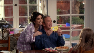 Last Man Standing - 01x15 House of Spirits