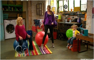 Good Luck Charlie - 03x07 Special Delivery