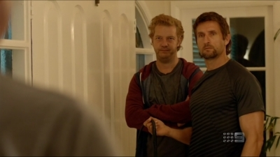 Underbelly (AU) - 05x02 Cut Snake and Crazy