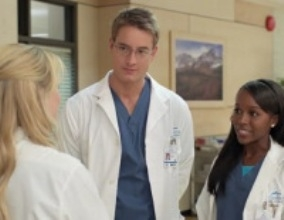 Emily Owens, M.D. - 01x06 Emily And… The Question Of Faith