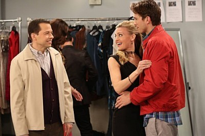 Two and a Half Men - 10x13 Grab A Feather And Get In Line