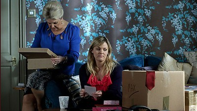 EastEnders (UK) - 29x17 Monday 28th January, 2013