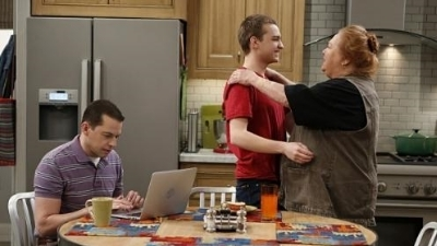 Two and a Half Men - 10x23 Cows, Prepare To Be Tipped