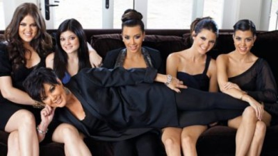 Keeping up with the kardashians 8x11 100th episode life 39 s for Living with the kardashians full episodes