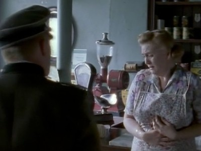 Island at War (UK) - 01x02 Living with the Enemy