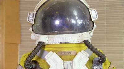 Beverly Hills Pawn - 02x01 Spacesuit and Golden Loot