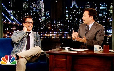 Late Night with Jimmy Fallon - 05x158 Johnny Knoxville, Hailee Steinfeld, Robin Pecknold