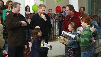 Modern Family - 05x10 The Old Man & the Tree