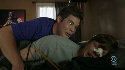 Workaholics - 04x11 The One Where the Guys Play Basketball and Do the Friends Title Thing