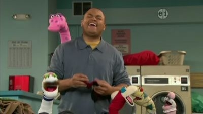 Sesame Street - 41x29 Sock Chaos at the Laundromat (repeat of 4163)