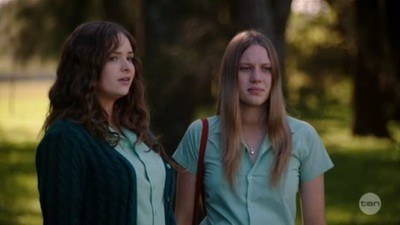 Puberty Blues (AU) - 02x01 Season 2, Episode 1