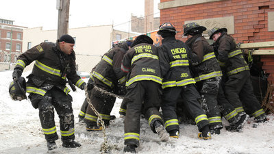 Chicago Fire - 02x16 A Rocket Blasting Off