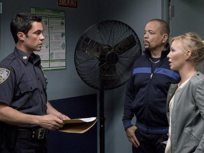 Law & Order: Special Victims Unit - 16x01 Girls Disappeared