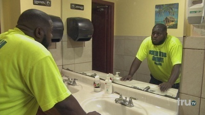 South Beach Tow - 04x13 Checkmate Screenshot