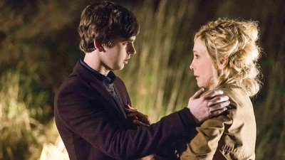 Bates Motel - 03x01 A Death In the Family