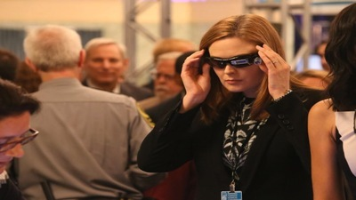 Bones - 10x05 The Corpse at the Convention