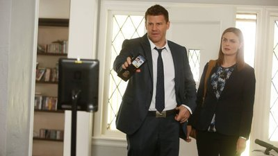Bones - 10x04 The Geek in the Guck