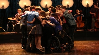 Glee - 06x06 What the World Needs Now