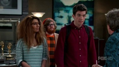 Mulaney - 01x13 Life is a Series of Different Apartments Screenshot