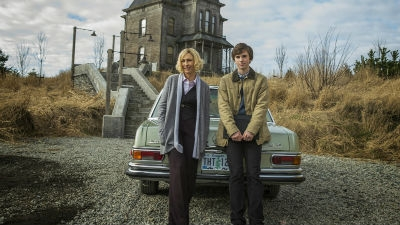 a review of the first episode of bates motel an american psychological horror series Here are our picks for the 50 best horror shows of all time  wide-eyed hell-wolf in the first episode,  american crime story review: the horror of homophobia.