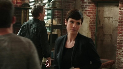 NCIS: New Orleans - 01x19 The Insider