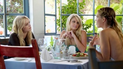 Barely Famous - 01x05 The Foster Sisters' Sisters