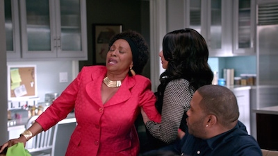 Black-ish - 01x22 Please Don't Ask, Please Don't Tell