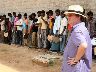 Paul Merton in India (UK)