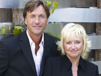 Richard And Judy's New Position (UK)