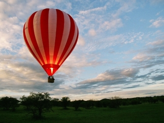 Stephen Tompkinson's African Balloon Adventure (UK)