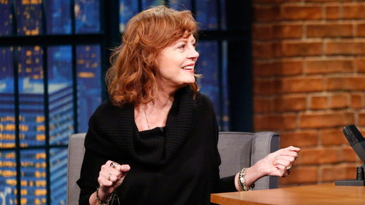 """Late Night With Seth Meyers S3E66 Susan Sarandon On Piers Morgan's Insults About Her Cleavage"""