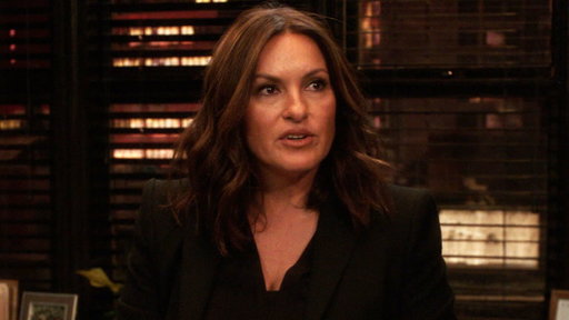 S17E16 Benson Kicked Off SVU??