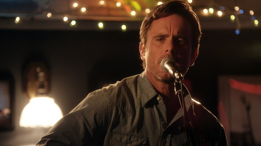 "S03E01 Nashville Performance ""I Know How to Love You Now"" by Deacon"