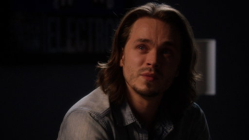 S04E12 Avery Feels Trapped