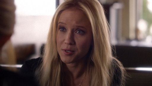 S04E17 Cash Feels Threatened by Rayna