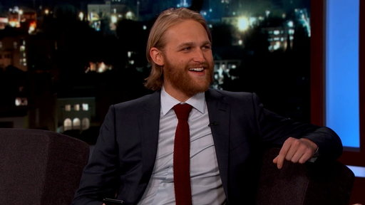 S14E64 Wyatt Russell Reads a Text Goldie Hawn Sent Him