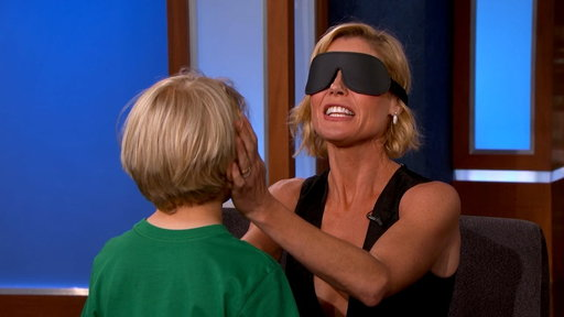 S14E64 Can Julie Bowen Identify Her Kids by Feeling Their Faces?