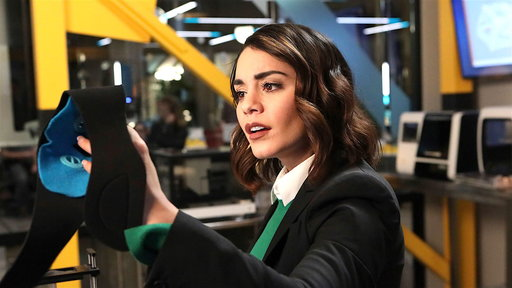 Powerless S01E01 Wayne or Lose