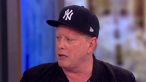 S20E108 Darrell Hammond Shows Off His Favorite Impressions on the View