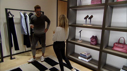 S21E8 Corinne and Nick's Luxe Shopping Spree