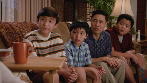 Fresh Off The Boat S03E14 The Gloves Are Off