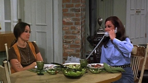 S01E09 Bob and Rhoda and Teddy and Mary